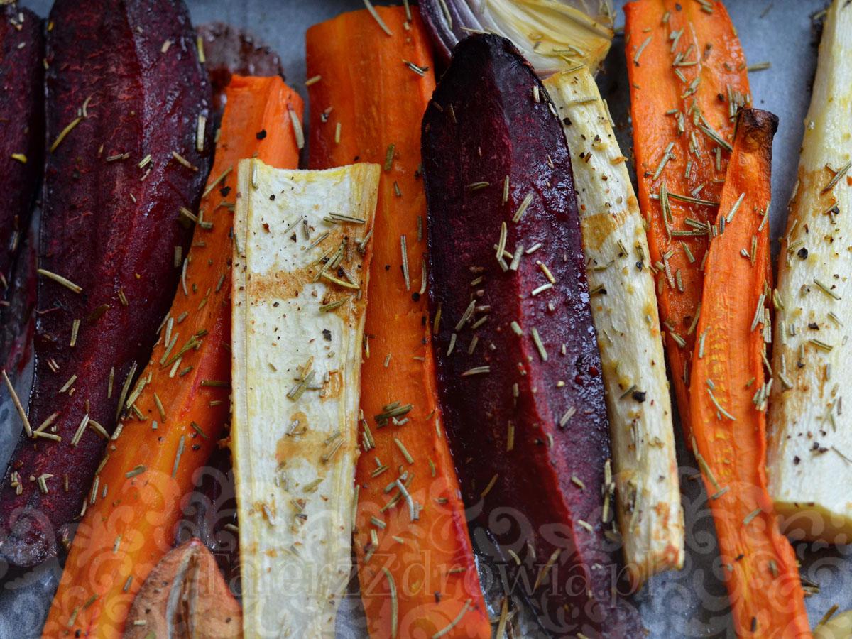Pieczone warzywa korzeniowe 01