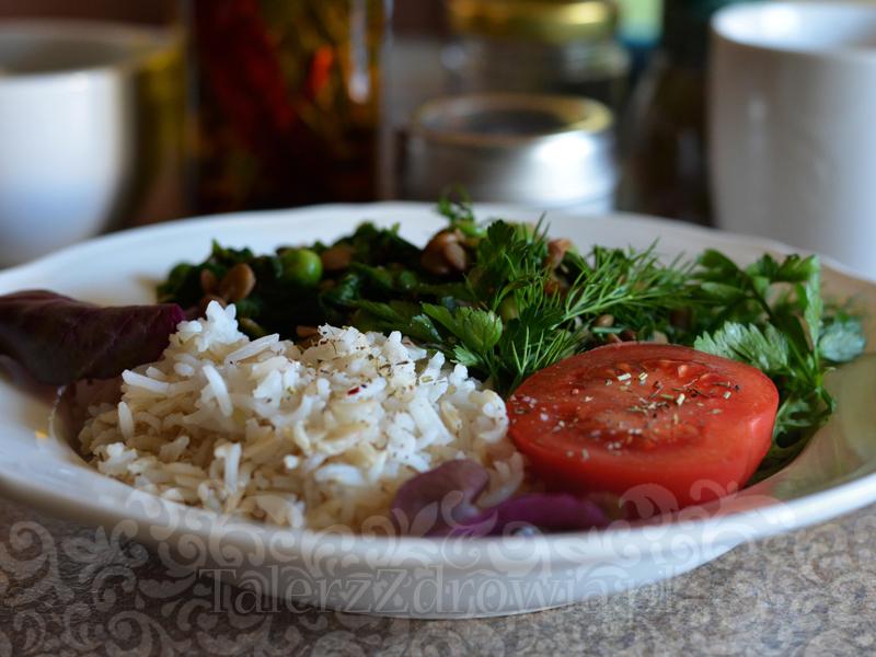 Soczewica z groszkiem i suszonymi pomidorami 01