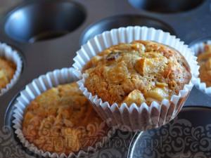 Muffinki owsiane z jablkiem i rodzynkami